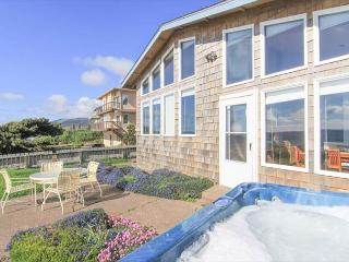 Beautiful oceanfront home full of amenities
