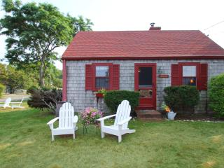 OCEANFRONT, ROCKPORT, STEPS FROM BEACH &TOWN (209)