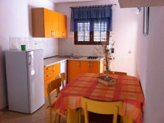 Attractive apartment near beach, Zavala
