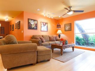 Comfy Beach House- Home is Half a mile to Beach!, Naples