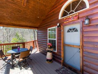 Mama Bear-Beautiful cabin minutes to Pigeon Forge, Sevierville