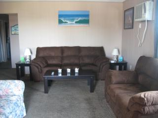 Nice location, clean condo, Ocean City