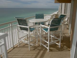 Destin Towers Condo Directly ON THE BEACH!!