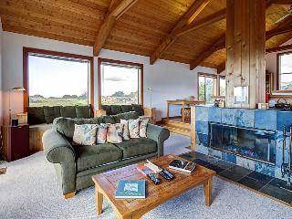Sea Ranch home w/ separate cottage and hot tub!