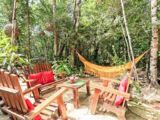 Casita Milagros-A Jungle Tree House, Tulum