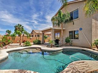 Luscious 4BR Queen Creek House w/Wifi, Heated Outdoor Pool, Very Private Yard & Amazing Mountain Views - Minutes to Mesa Nat'l Park, Tons of Golf, Shopping & Restaurants!