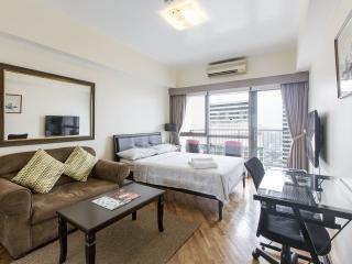 Rockwell Joya Big Studio with balcony 42nd Floor, Makati