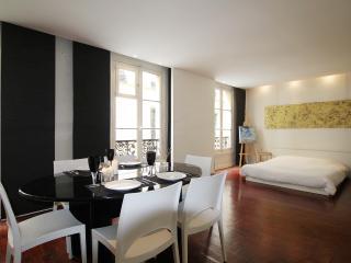 Large & design studio Sentier Paris P0220, París
