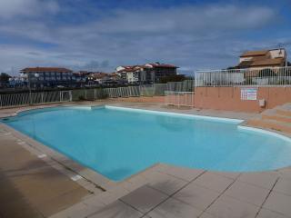 T2 bis proche mer dans résidence avec piscine