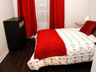 Furnished New condo 5 min from Downtown ALL includ, Montreal