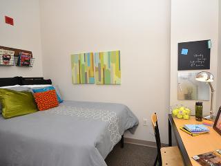 1 Bd w/ living room Newark near Ny