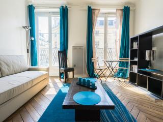 Heart of Paris : Bright and cosy flat !