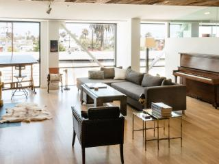 Über-Stylish 1 Bedroom Loft in Venice, Los Ángeles