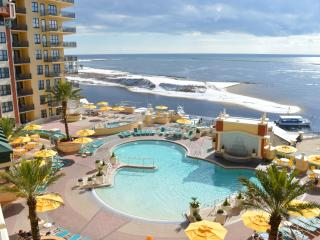Emerald Grande 522~Amazing View! Overlooks Destin Harbor & the Gulf!