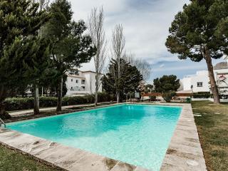 Creta, Bellresguard Apartment - pool/ beach 100 m., Port de Pollença