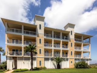 'Villa Fontana' Alluring 3BR Galveston Condo w/Wifi, Private Balcony & Community Pool Access! Awesome Location Steps to the Beach - Near The Strand, Schlitterbahn & More!
