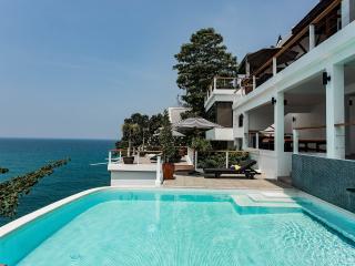 Luxury Villa Nevaeh - 6 BR Ocean Front in Kamala