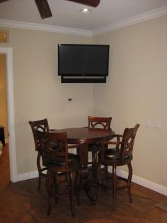 Back Cottage Dining Area