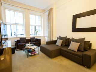 STUNNING FLAT IN A LUXURY XXc. ORIGINAL MANSIONS