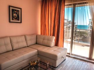 BOR Apartments / Long Beach Resort, Shkorpilovtsi