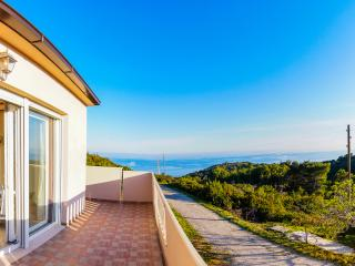 Beautiful Villa With Amazing Sea Views, Chosen Best Bay 2016, Vlla Luana Vis