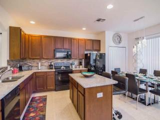 Awesome 6 Bedroom Villa in Solterra!, Davenport