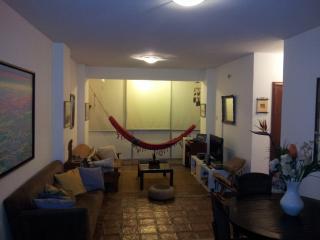 Apartamento cerca de metro Plaza Altamira, Caracas