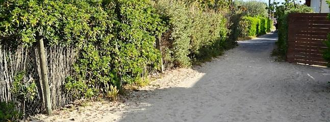 Chemin qui va à la Mer  The way to the sea