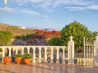 Rural Villa With Big Garden and Pool - Fabulous Ocean View