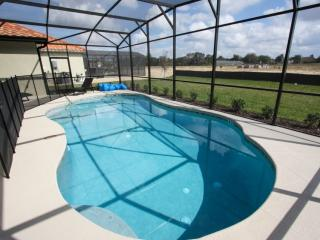 Beautiful 4 Bed 3 Pool Home with Game Room, Davenport
