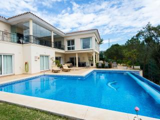 Lux Large 5Bed Villa, heated pool golf & seaviews, Elviria