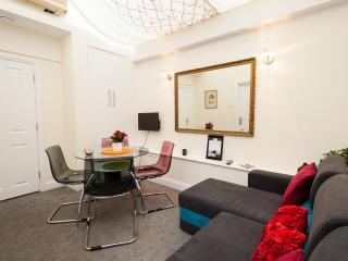Kensington  New Holiday Apartment - Holland Park,