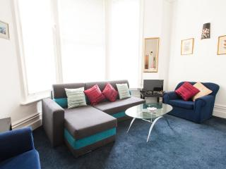 Boutique Mezzanine Apartment-Olympia Kensington - near Olympia Exhibition Centre
