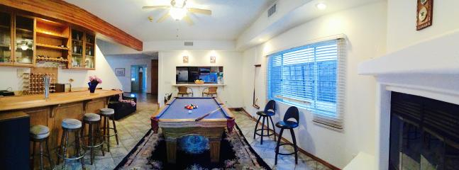 Entertainment area: play pool, test your mixology skills at the bar and enjoy the 2nd gas fireplace.