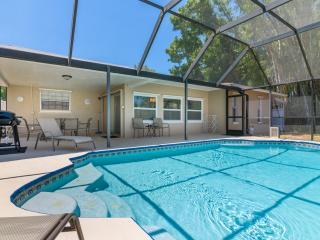 Amazing Remodeled Pool House, Sarasota
