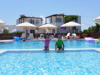 Child-baby friendly apartments in Crete, Stavros