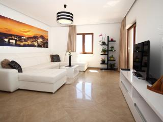 Apartments Konavoka- modern 2 bedroom apartment, Cavtat