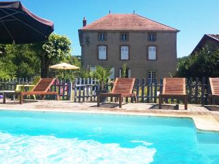Villa with private pool for up to ten persons, Thiers