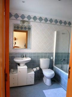 En-suite to Twin bedded room