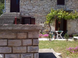 Little stone house, Novigrad