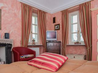 Red Room in Bed & Breakfast Villa Mirano Piossasco (Turin) Italy