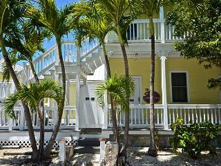 Carey's Corner - Cute 'Old Town' studio in great location!, Key West