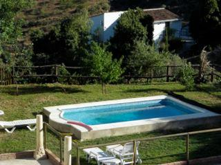 COUNTRY HOUSE  - SEAVIEWS -  13 KM FROM  MALAGA