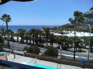 Modern 1 Bed Apartment 2 Minutes Walk From Beach, Playa de Cura
