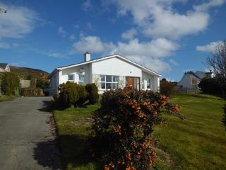 Odhran's Cottage - with panormaic sea views!!, Greencastle