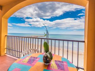 Spacious apartment beachfront with sea view, Alboraya