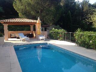 F310 Belle villa avec piscine privée proximité cen, Ste-Maxime