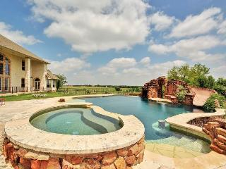 Hutto Home for Exec Retreats/Big Groups – Pool, Hot Tub, Game Room, Fitness