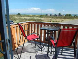 Beautiful home with ocean views!  Walk to beach!, Ocean Shores