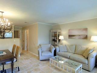 Ground floor luxury condo near the beach
